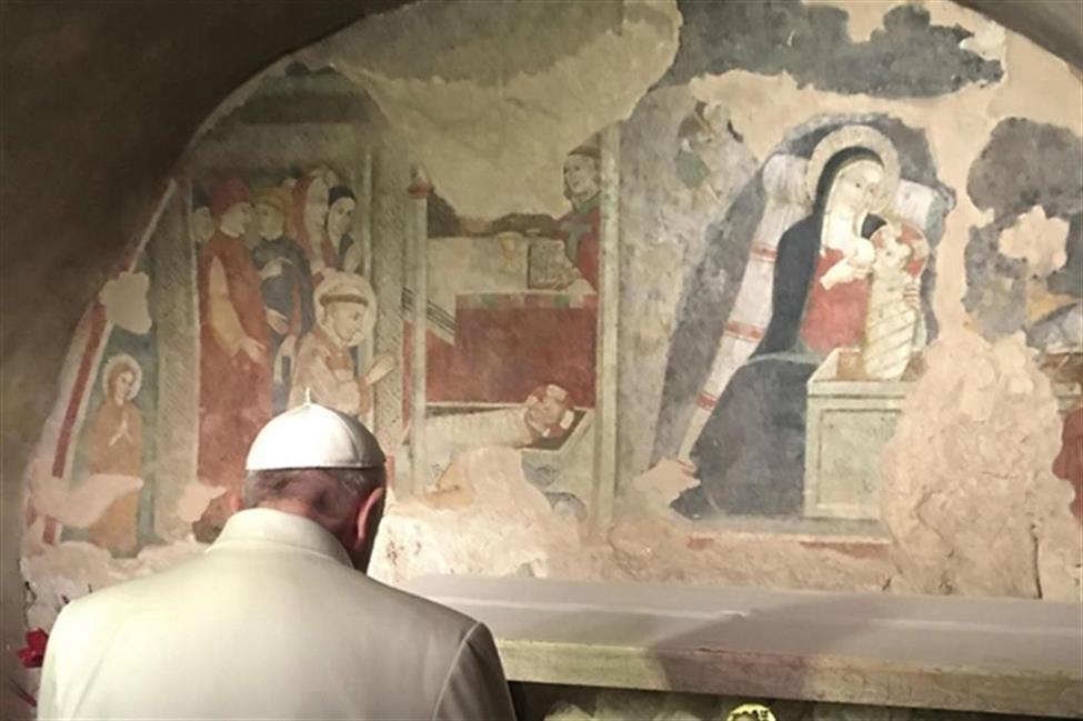 Papa Francesco ci richiama al grande segno del presepe.